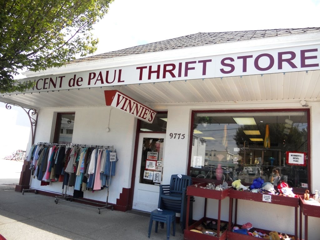 ThriftStoreShop_19