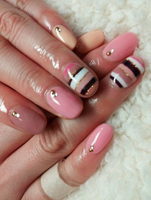 pink_nail_art_fall_2012