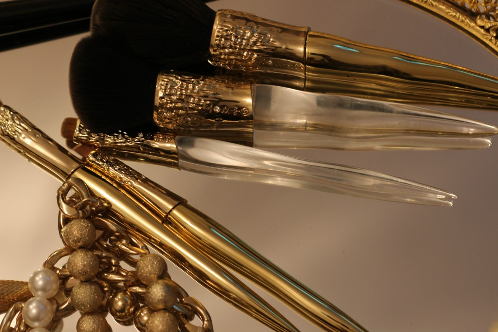luxury brushes-louboutin